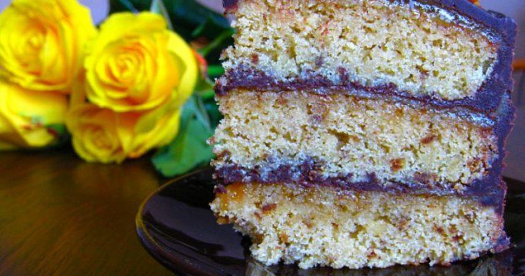 Tortas su pistacijomis ir marcipanu